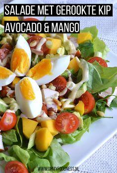 Deze salade met gerookte kip, avocado en mango is super simpel om te maken en perfect voor het warme weer. Healthy Recepies, Healthy Salad Recipes, Vegetarian Recipes, Y Food, Food And Drink, Summertime Salads, Smoked Chicken, Couscous, Kids Nutrition