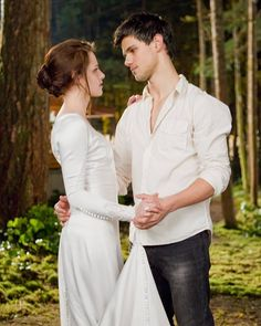Jacob Black Twilight, Twilight Saga Series, Twilight New Moon, Twilight Movie, Breaking Dawn Movie, Twilight Breaking Dawn, Taylor Lautner, Jacob And Bella, Bella Wedding Dress