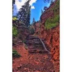 It was like a slot canyon in my backyard . . . #canon #7D #aov5k #artofvisuals #pnw #radcolorado #colorado #flowers #way2ill #illgrammers #rei1440project #goatworthy #shotzdelight #moodygrams #moodyports #aovportraits #52weeksofnature #phototag_it #illgram #landscape_lovers #landscaper #getoutside #AdventureVisuals #sunset #beautiful #canon_official