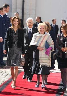 ♔♛Queen Rania of Jordan♔♛... meets with Italian First Lady Clio Napolitano in Rome
