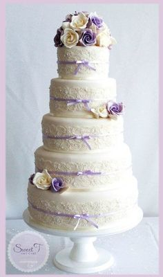 Lilac ad Ivory Soft Romance - by sweettandcake @ CakesDecor.com - cake decorating website