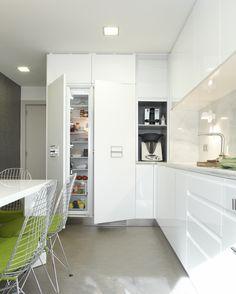 Molins Interiors // arquitectura interior - nevera integrable - mobiliario