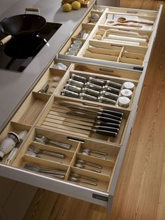 Unique Kitchen Storage Ideas that you can apply in your kitchen - Design Galerien Kitchen Room Design, Kitchen Cabinet Design, Modern Kitchen Design, Home Decor Kitchen, Interior Design Kitchen, Kitchen Furniture, Home Kitchens, Decorating Kitchen, Kitchen Ideas