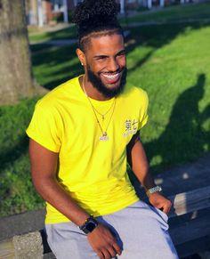 he has a Big smile Fine Black Men, Gorgeous Black Men, Cute Black Guys, Just Beautiful Men, Handsome Black Men, Black Boys, Fine Men, Fine Boys, Boys With Curly Hair