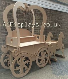 Princess Carriage Sweet Cart Ideal For Weddings - Candy Cart Wood Crafts, Diy And Crafts, Sweet Carts, Princess Carriage, Candy Cart, Flower Cart, Wedding Candy, Candy Table, Event Decor