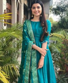 Shop salwar suits online for ladies from BIBA, W & more. Explore a range of anarkali, punjabi suits for party or for work. Silk Kurti Designs, Kurti Designs Party Wear, Salwar Designs, Dress Indian Style, Indian Outfits, Indian Wear, Mode Bollywood, Indian Gowns Dresses, Indian Designer Suits