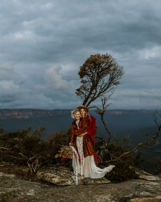 Brides in hats wearing red coats in the Australian Blue Mountains photographed by James White Red Coats, James White, Bridal Separates, Blue Mountain, Beautiful Bride, Brides, Wedding Day, Mountains, Boho
