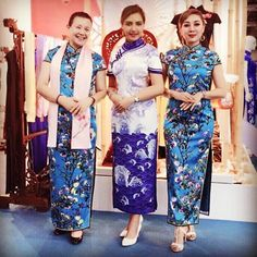 Finally, i can hv my Cheongsam from designer who originally Manchu .. i love the color.. So Blue 😍 #china #cheongsam #qipao #dress #ootd #outfit #outfitoftheday #couture #traditional #luxury #silk #gown #photooftheday #photo #photography #designer #positivevibes #travel #business #summer #autumn #flower #instadesign #fashion #fashionista #fashionblogger #beauty #best #lady