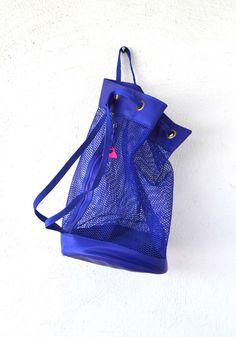 Vintage 80s 90s Mesh Duffle Drawstring Bag // Hipster Blue Purple Bucket Bag // Beach Tote