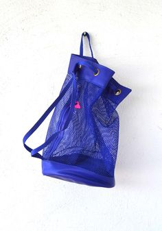 Vintage 80s 90s Mesh Duffle Drawstring Bag // Hipster Blue Purple Bucket Bag // Beach Tote