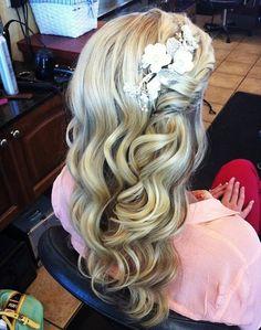 vintage curls with a side twist