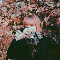Kim Jennie, Aesthetic Photo, Aesthetic Pictures, K Pop, Lisa Blackpink Wallpaper, Blackpink Members, Blackpink Photos, Kim Jisoo, Blackpink Fashion