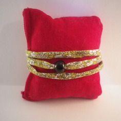 Bracelet multi-rangs en tissu liberty et perle noire - idée cadeau pour la fête…