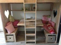 En zo een superleuke speelplek onder het bed http://www.welke.nl/photo/lousje71/En-zo-een-superleuke-speelplek-onder-het-bed.1351269775