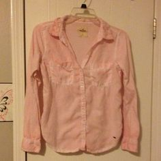 Light pink button up shirt Pretty light pink button up shirt with flowers on the collar. Great condition, no holes or stains. Let me know if you have any questions! Hollister Tops Button Down Shirts