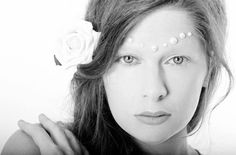 #noeyebrows #fashionmakeup #catwalkmakeup #highfashion #makeup #pearls photo by Marie Bleyer