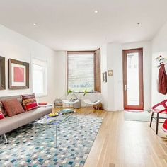 Cozy up for here for some urban winter fun in Toronto! Who doesn't want snow for Christmas? Available from Dec 24th. https://clanventure.com/toronto-canada/listing/toronto-boutique-family-home