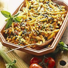 Baked Rigatoni Primavera Serve this veggie-filled casserole as a side dish or a meatless main dish. It's packed with spinach, corn, and peas. Casserole Recipes, Pasta Recipes, Cooking Recipes, Grandma's Recipes, Italian Recipes, Roasted Vegetable Lasagna, Vegetable Recipes, Vegetable Casserole, Vegetarian Pasta Dishes
