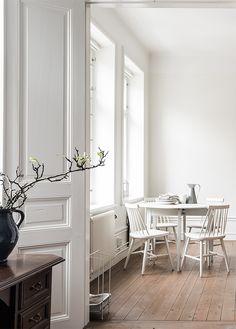 #white #diningroom