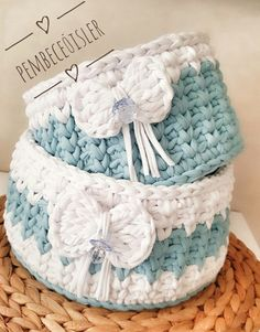 Crochet baby boots love 18 Ideas for 2019 Crochet Bowl, Crochet Shell Stitch, Crochet Lace, Crochet Stitches, Crochet Quilt Pattern, Crochet Patterns, Crochet Storage, Crochet Baby Boots, Crochet Gifts
