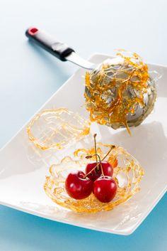 Tulipas de caramelo para servir la fruta