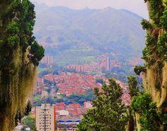 Medellín desde la Loma de los Balsos. #Medellin, #Antioquia, #Colombia. #landscape #cityscape #countryside #nature #forest #trees #woods #village #mountain #mountains #architecture #city #sky #clouds #colours #streets #travel #trip #view #horizon #perspective #composition #vscocam #vsco