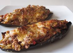 Eggplant Stuffed with Minced Meat WW Main Course and Recipe Healthy Dinner Recipes, Healthy Snacks, Vegetarian Recipes, Weight Watchers Meatloaf, Drink Recipe Book, Grilling Gifts, Meatloaf Recipes, Cheap Meals, Food Videos