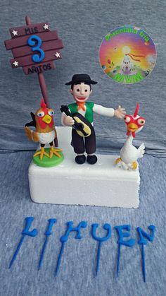 """Adorno para torta en porcelana fria de """"LAS CANCIONES DE LA GRANJA DE ZENON"""" ZENON, EL POLLITO PIO, BARTOLITO Y LA GALLINA TURULECA Porcelana fria polymer clay hecho a mano...Adornos para torta,souvenirs,pinches y mas!  PORCELANA FRIA MVM Boys Bday Cakes, Farm Theme, Pasta Flexible, Fondant, Biscuits, Birthdays, Christmas Ornaments, Holiday Decor, Party"""