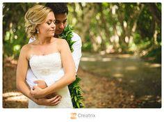 www.creatrixphotography.com | Hawaii Wedding Photography #oahu #hawaii #estateweddings #palmtrees #ocean