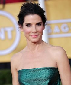 Sandra Bullock at the Annual Screen Actors Guild (SAG) Awards held at the Shrine Auditorium in Los Angeles on January 2014 All Actress, Actress Photos, Hollywood Heroines, Hollywood Actresses, Sandra Bullock Age, Laura San Giacomo, Famous Women, Famous People, Rachel Brosnahan