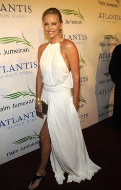 She pulls off Grecian so well.
