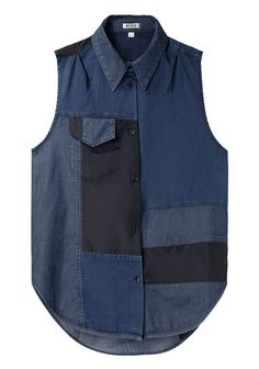 This sleeveless patchwork top by Acne is a favorite among fashion's elite, and an ideal addition to any Canadian tuxedo with its array of different denim patches. Fashion Details, Diy Fashion, Fashion Online, Fashion Outfits, Popsugar, Denim Patchwork, Lookbook, Mode Style, Denim Shirt