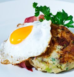 Serve up some traditional #bubbleandSqueak from Fresh Potatoes http://freshpotatoes.com.au/recipes/bubble-and-squeak