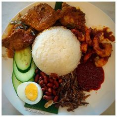 P A P P A R I C H  @papparichbankstown  Ughhh stupid Instagram posting without captions again!!!!  hubs got the Nasi Lemak which is curried chicken sambal prawns crispy anchovies coconut rice boiled egg cucumber peanuts and sambal on the side  #Papparich #PapparichBankstown #Bankstown #BoiledEgg #Curry #Chicken #CurryChicken #Sambal #SambalPrawns #Prawns #Seafood #Cucumber #Rice #CoconutRice #Anchovy #Crispy #Peanuts #ZomatoAus #InstaFood #InstaFoodie #SydneyFoodie #FoodGram #Poultry #Spice…