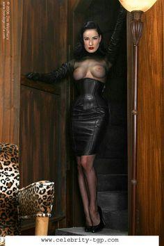 Het mistress dita von tease