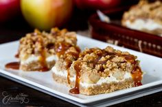 These are the best caramel apple cream cheese bars. A little cheesecake deliciousness with apple pie yumminess, topped with caramel. Ingredients 3 Tablespoons melted butter 3 Cups Golden Graham Cereal, ground in food processor 1 Roll Strudel, Caramel Apple Cheesecake Bars, Apples And Cheese, Cream Cheese Cookies, Creamy Cheese, Streusel Topping, Apple Recipes, Ww Recipes, Pastry Blender
