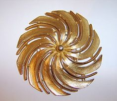 Vintage Designer Gold Tone Signed Sarah Coventry Matte Windmill Swirl Statement Brooch Bling