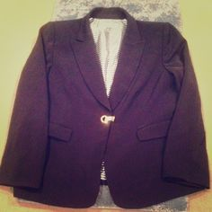 ✨DOTW: $55✨ Black Suit Blazer Worn | Excellent Condition | All Black | Little Padding in Shoulders | Gold Clasp in Front | 2 Pockets in Front | Long Sleeve | Heavyweight | Black & White Silk Lining |🚫 Trades | More 📷 Upon Request | Feel Free to Ask Questions 🙋| Bundles are Welcomed❤️| Tahari Jackets & Coats Blazers