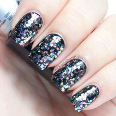 Nail Art/// really easy $3.95 nail polish so worth it! sally hansen  at walmart