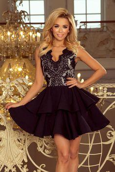 ac1423cd6a Śliczna czarna rozkloszowana sukienka z koronkowym dekoltem. Idealna na  wesele lub studniówkę. Posiada podwójnie