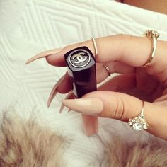 CHANEL/ NAILS/ JEWELRY