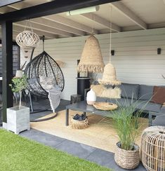 ibiza stijl in je veranda - - Jardin Boheme Recup Garden Room, Decor, Outdoor Garden Furniture, Outdoor Decor, Patio Design, Painting Wooden Furniture, Rustic Home Design, Backyard Decor, Garden Design