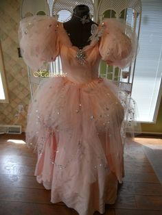 Glinda pink star gown dress ensemble wizard Oz stage production OOAK crown wand  I disagree, Regardless of the hoop worn under the original dress this one just doesn't look right