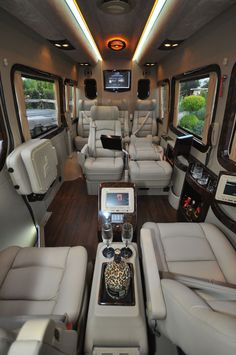 Canadian Auto Network Pin: The Mercedes Sprinter Van Interior. Can't get much fancier than this! Van Mercedes, Mercedes Auto, Custom Mercedes, Mercedes Sprinter, Sprinter Camper, Benz Sprinter, Luxury Van, Sprinter Van Conversion, Conversion Van