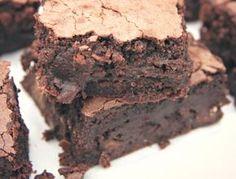 Tudom, hogy másnak ez csak egy recept, de nekem sokkal több... Hosszú évek óta kutatom a tökéletes brownie receptjét. Sikerült már jóra, jobbra,...