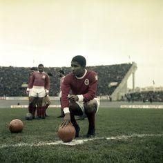 Football Soccer, Football Players, Image Foot, Football Memorabilia, Sporting, Vintage Football, Sports Clubs, Best Player, Big Men