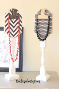 DIY Upcycle Craft Project: Stair Baluster Necklace Stand / Display - The Salvaged Boutique Vendor Displays, Craft Show Displays, Craft Show Ideas, Display Ideas, Booth Displays, Retail Displays, Shop Displays, Merchandising Displays, Booth Ideas