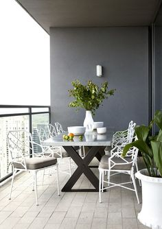 Great little outdoor balcony space