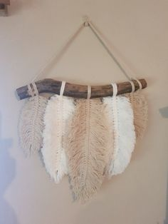 8 beginner macrame projects other than wall hanging – Artofit Macrame Art, Macrame Projects, Crochet Projects, Yarn Wall Art, Diy Wall Art, Yarn Crafts, Diy And Crafts, Arts And Crafts, Art Macramé