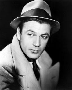 Gary Cooper in a publicity photo for Meet John Doe  (Frank Capra, 1941)